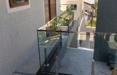 Guarda Corpo Vidro temperado e Torres de Inox
